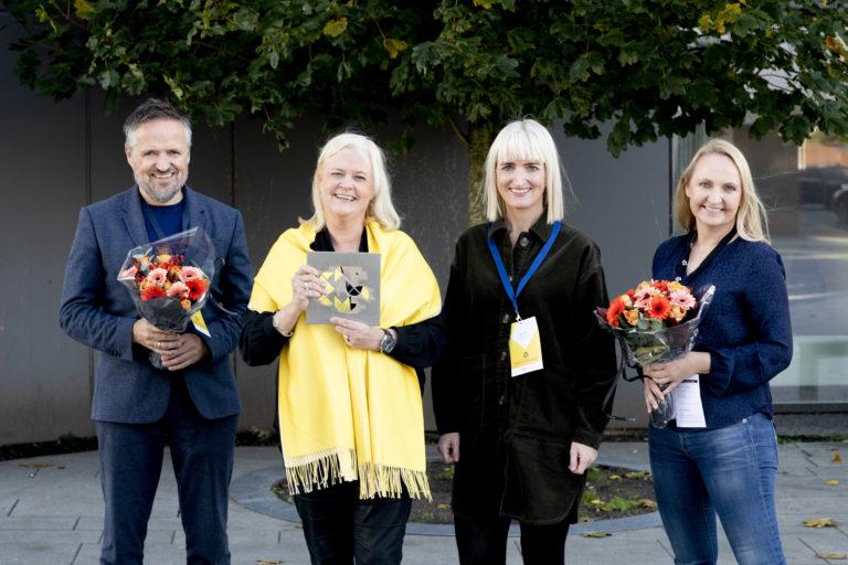Årets Markedsfører 2019: Sandnes Sparebank. Her med Pål Hjort Berge (Fasett), Ingrid Fure Schøpp, Heidi Elin Nupen og Marit Tesdal (Sandnes Sparebank). Foto: Jan Inge Haga